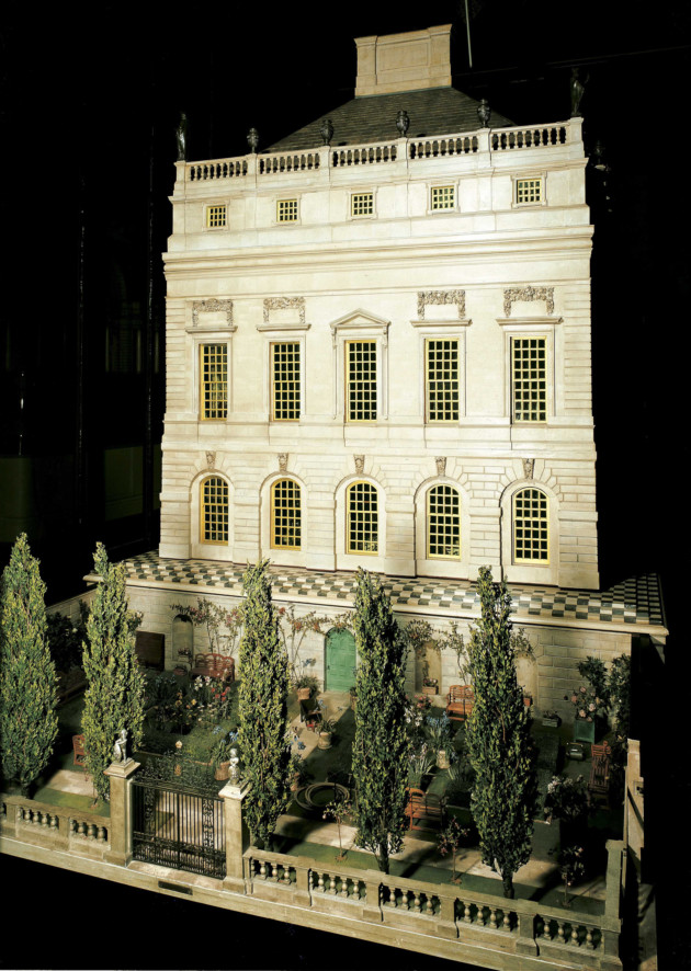 Front of Queen Mary's Dolls' House. Royal Collection Trust/© Her Majesty Queen Elizabeth II