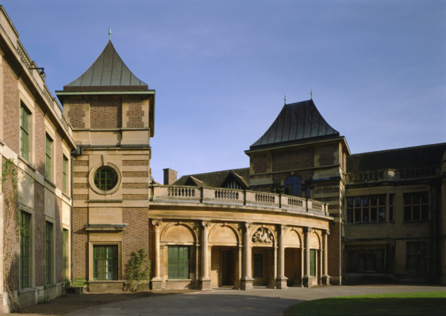Eltham Palace. English Heritage