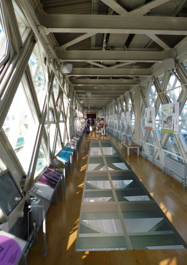 London S Tower Bridge Unveils New Glass Floor For High