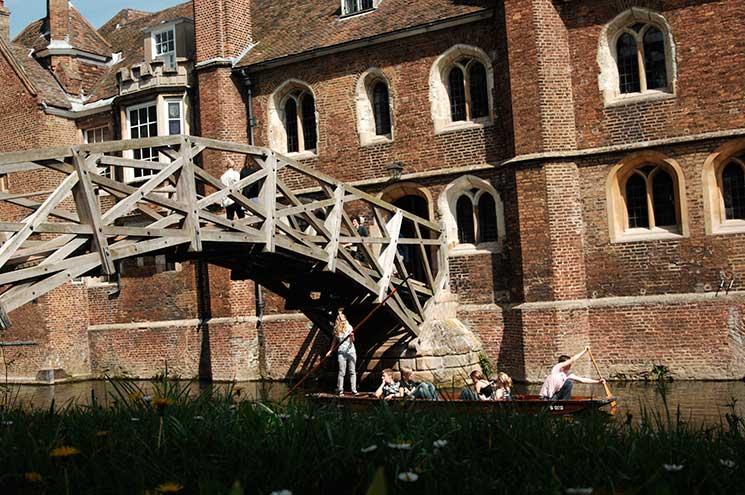 Mathematical Bridge and Queen's College Credit: VisitBritain/Britain on View