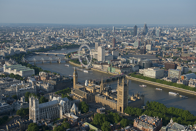 Westminster Abbey and the Palace of Westminster. Credit: VisitBritain/ Jason Hawkes