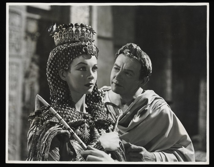 Vivien Leigh and Claude Rains in the film Caesar and Cleopatra