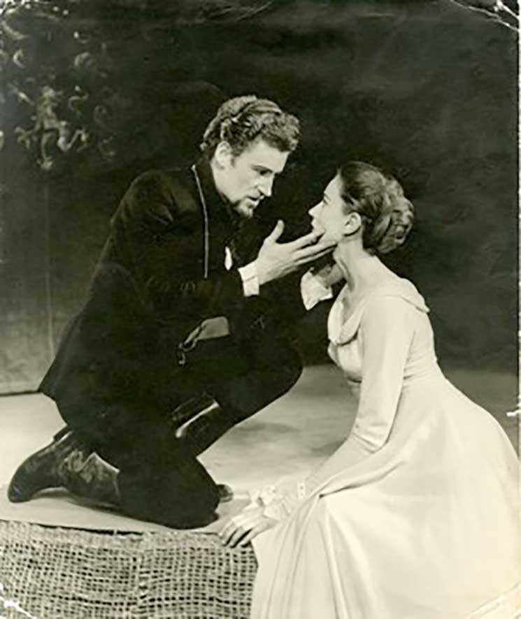 1957 - Peter O'Toole as Hamlet with Wendy Williams as Ophelia. Photographer Desmond Tripp. Courtesy University of Bristol Theatre Collection