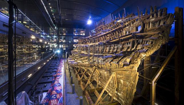 christopher Ison maryroseinterior tudors mary rose tudr henryvii ship