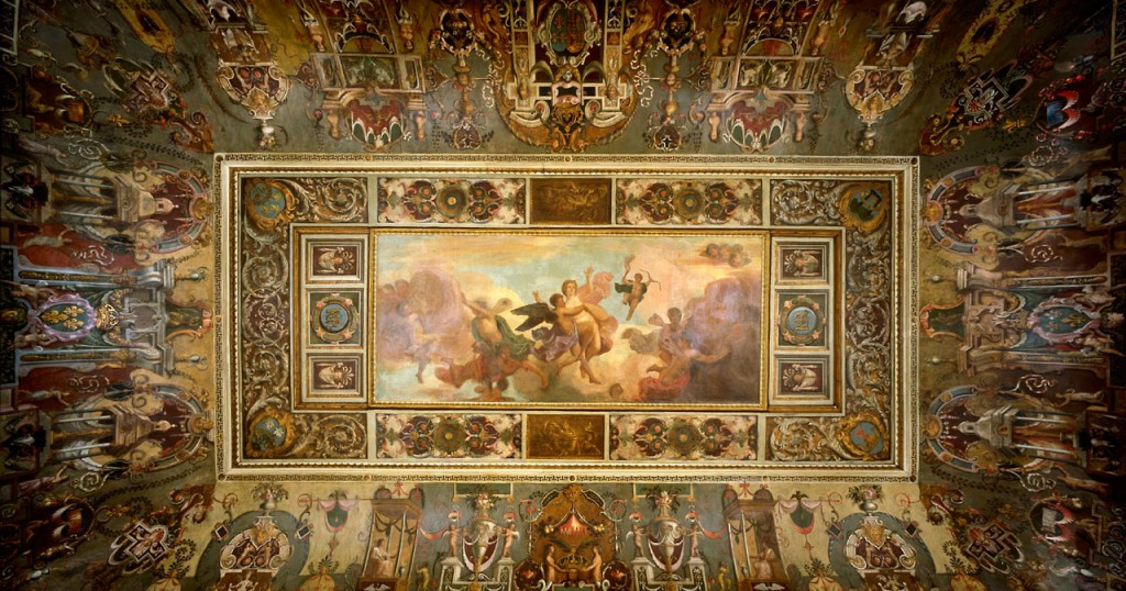 Queen's Prescence Chamber ceiling