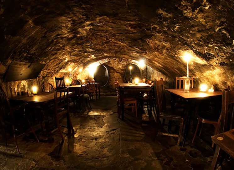 Top five oldest pubs in London - Discover Britain