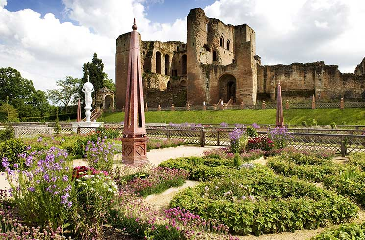 Kenilworth Castle, new issue Discover Britain