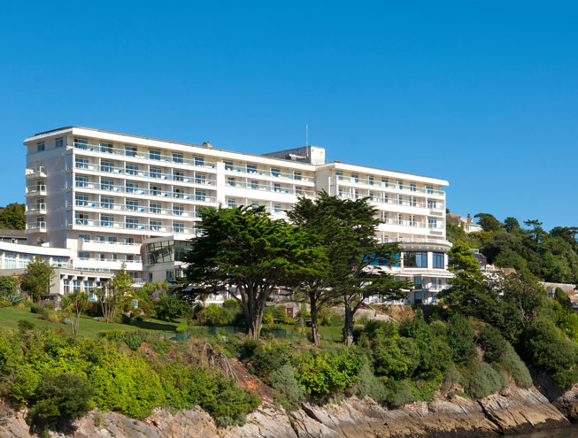 The Imperial hotel on the cliffs of Torquay. Credit: Colin Cadle Photography/Alamy