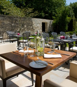 Alfresco dining at Lucknam Park