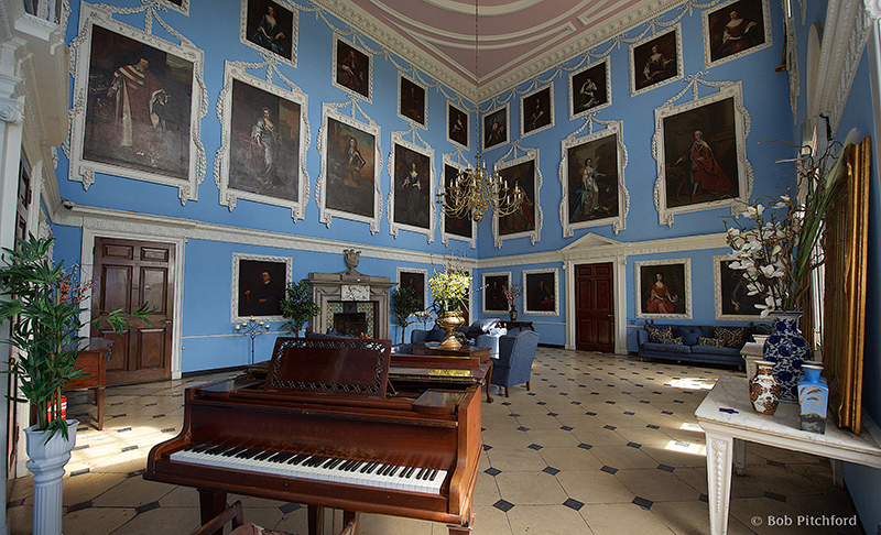 5 Stately Homes With Impressive Interiors