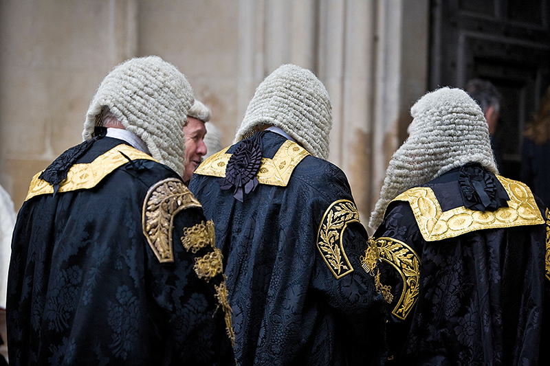 British Law: The tradition of wigs - Discover Britain