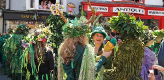 Jack in the Green Parade Hastings England. Carolyn Clarke / Alamy